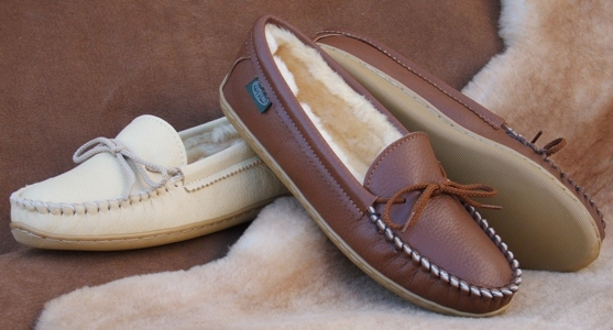 Footskins Womens Molded Sole Sheepskin Slippers Made in USA - Indoors or Out